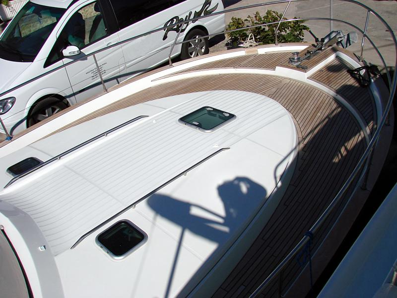 Beneteau Antares 13.80 – Yacht Charter Croatia