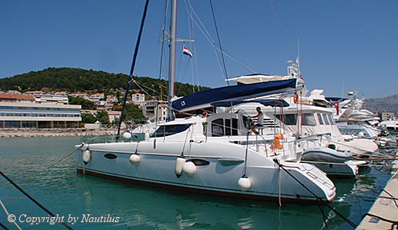 Catamaran Lavezzi 40 in charter base Split, Croatia