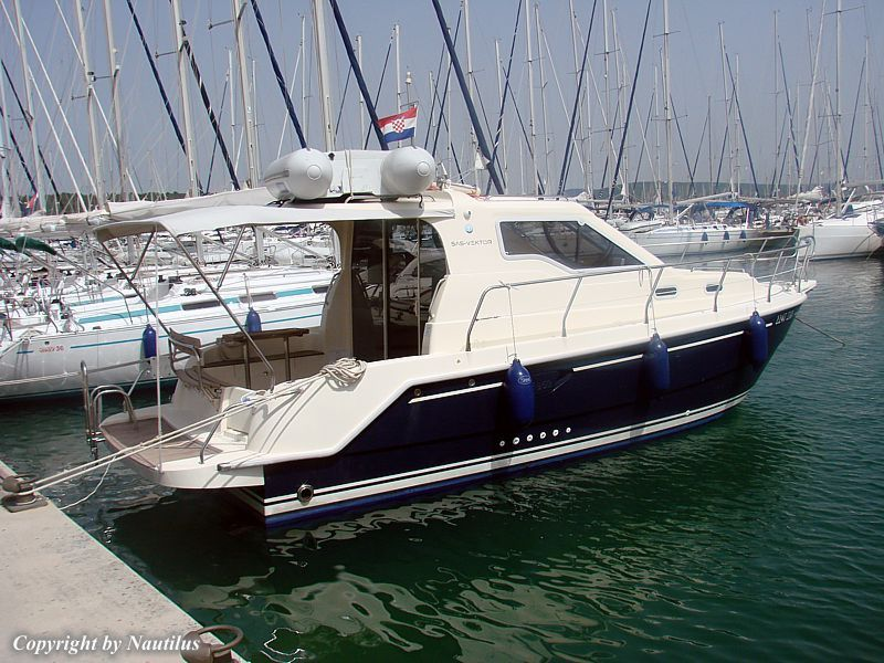 Motor boat vektor 950 yacht charter in croatia for Motor yacht charter croatia